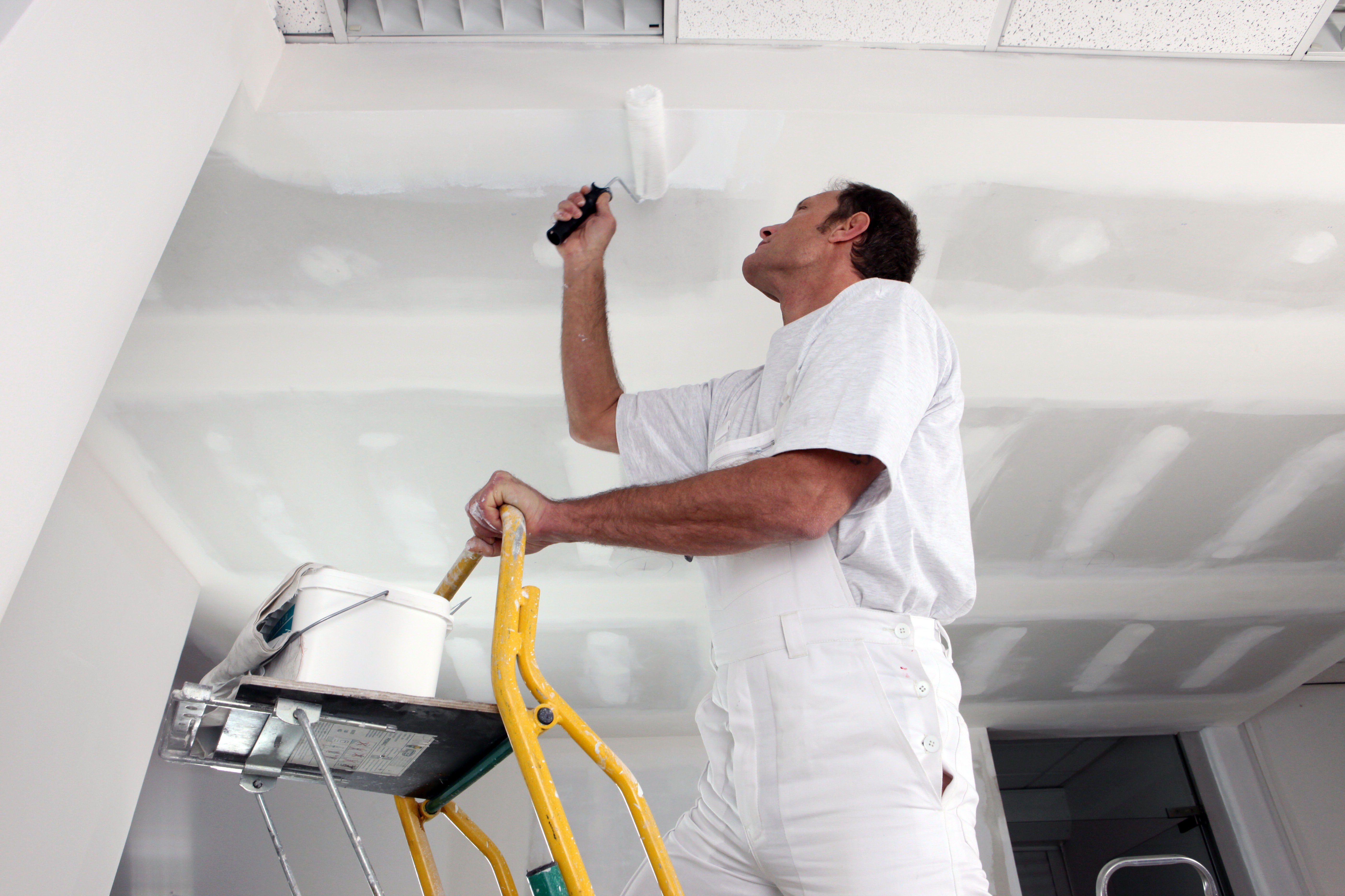 Как сделать потолок из краски